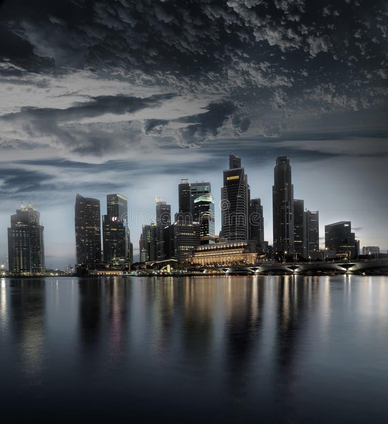 Imagen tempestuosa de la extra grande del paisaje de Singapur fotos de archivo