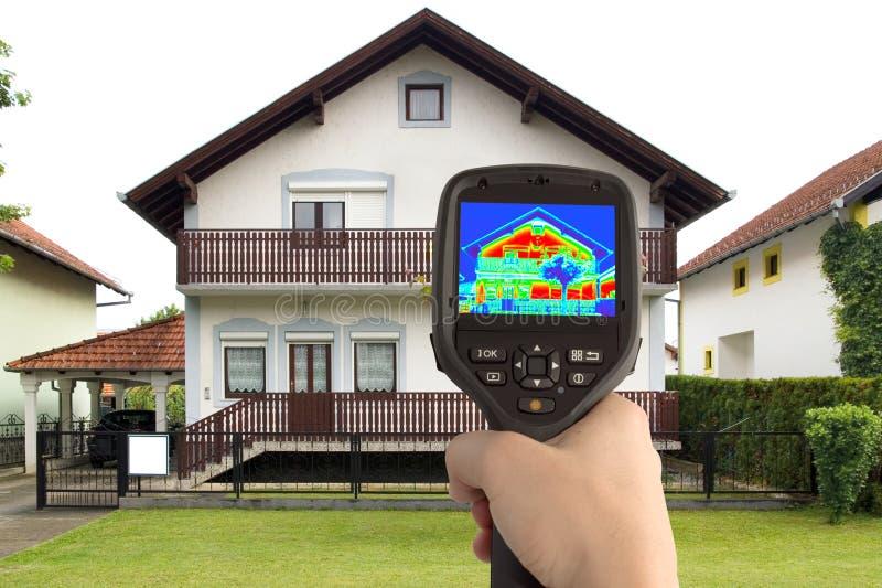 Imagen termal de la casa fotografía de archivo libre de regalías