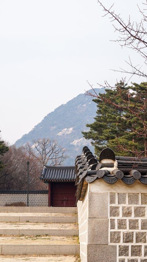 Imagens bonitas da paisagem no palácio Seoul de Gyeongbok, Coreia do Sul imagens de stock