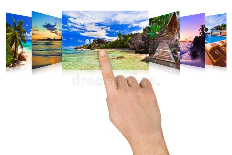 Imagens da praia do verão do desdobramento da mão imagem de stock