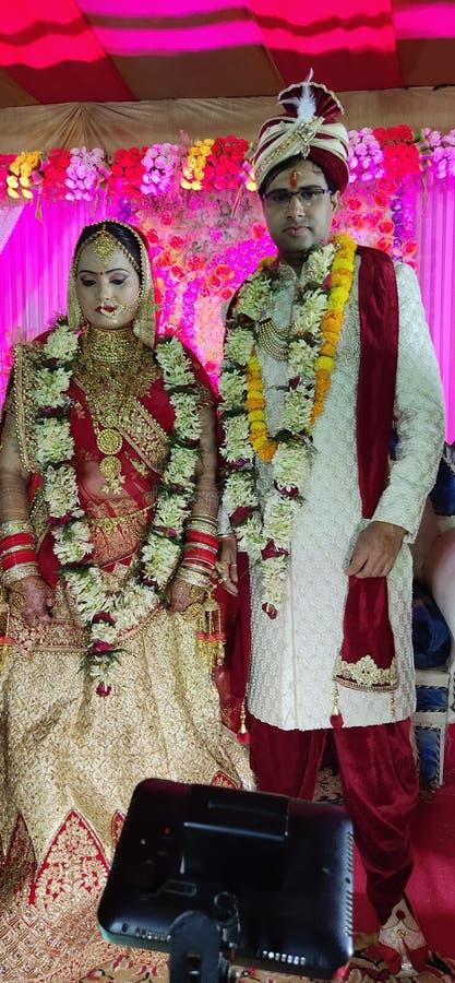 IMAGES DE MARIAGE, AMOUR, VARANASI, BEAU, INDIEN MARIAGE photographie stock
