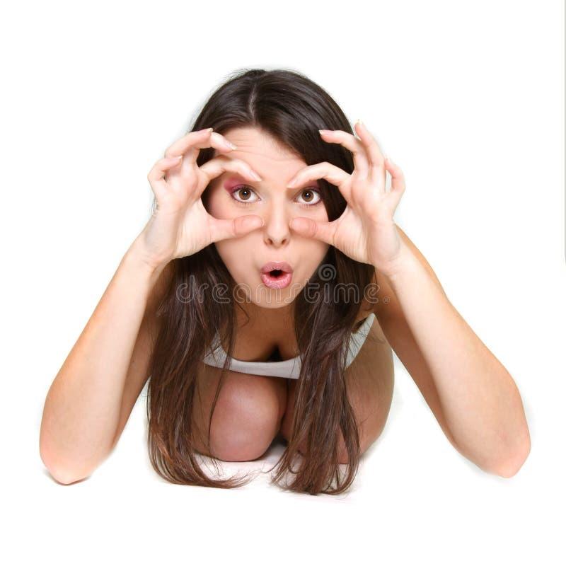 imaginärt se för binokulär flicka förvånat arkivfoton