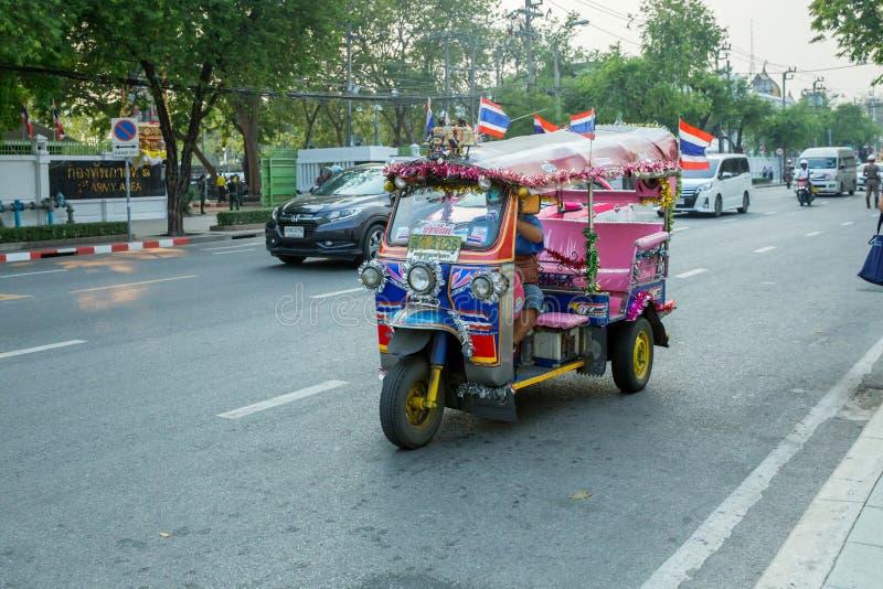 Imagination Tuk Tuk de Bangkok Thaïlande, tuk-tuk de tricycle fonctionnant à Bangkok, Thaïlande photographie stock libre de droits