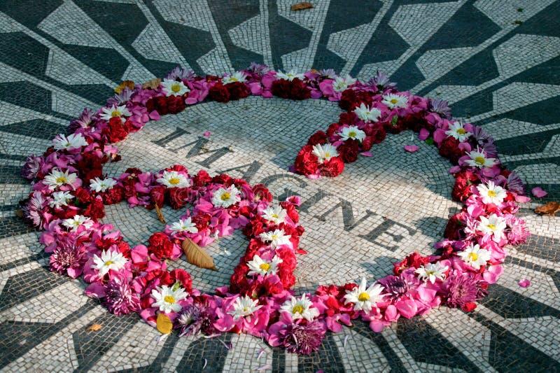 Imagine o mosaico, Strawberry Fields no Central Park, Manhattan, New York City, Estados de Nova Iorque, EUA imagem de stock