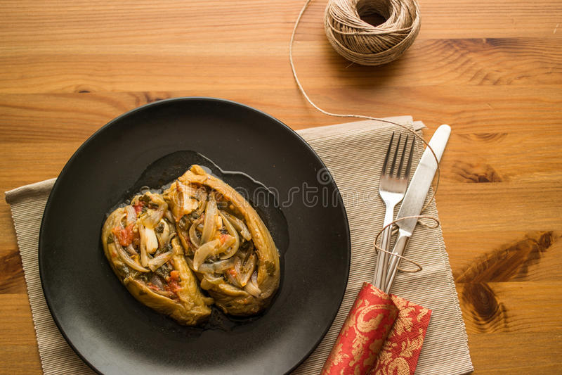 Imam bayildi/Turkse traditionele aubergine stock fotografie
