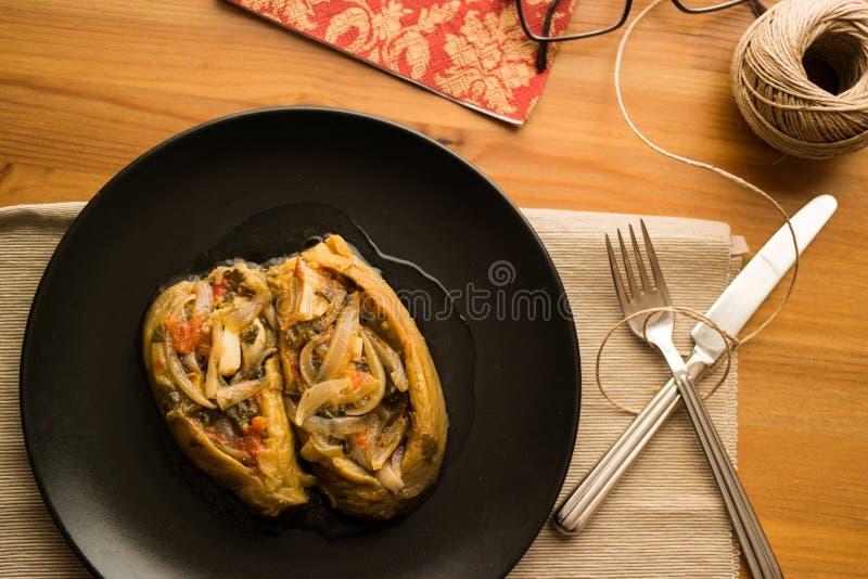 Imam bayildi/Turkse traditionele aubergine royalty-vrije stock fotografie