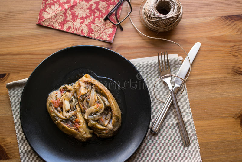 Imam bayildi/Turkse traditionele aubergine royalty-vrije stock afbeelding