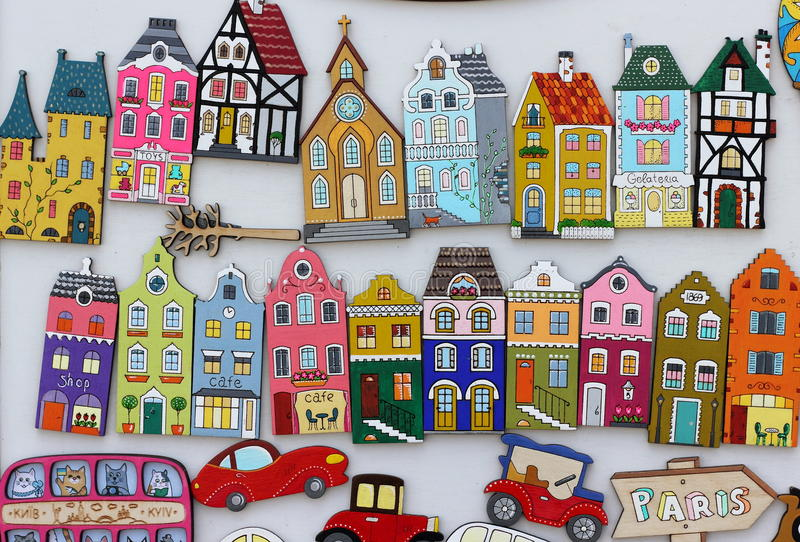 Imanes coloridos de las casas fotos de archivo