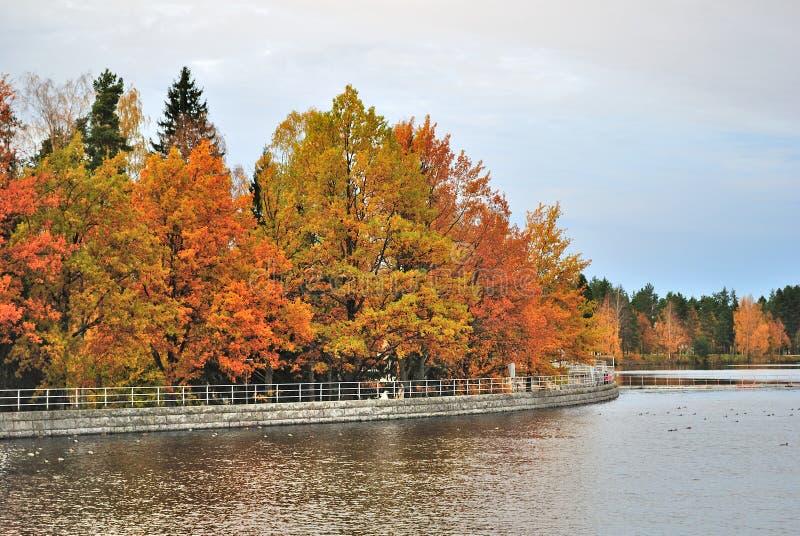 Imatra, Finnland. Vorratsbehälter und Park Kruununpuisto stockbild