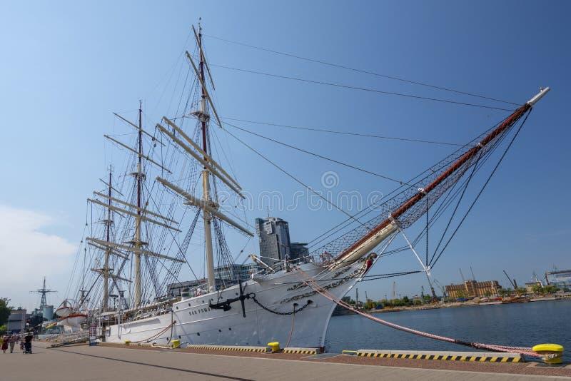 Imbarcazione a vela Dar Pomorza Gift della nave del museo di Pomerania in porto della città di Gdynia, Polonia fotografie stock