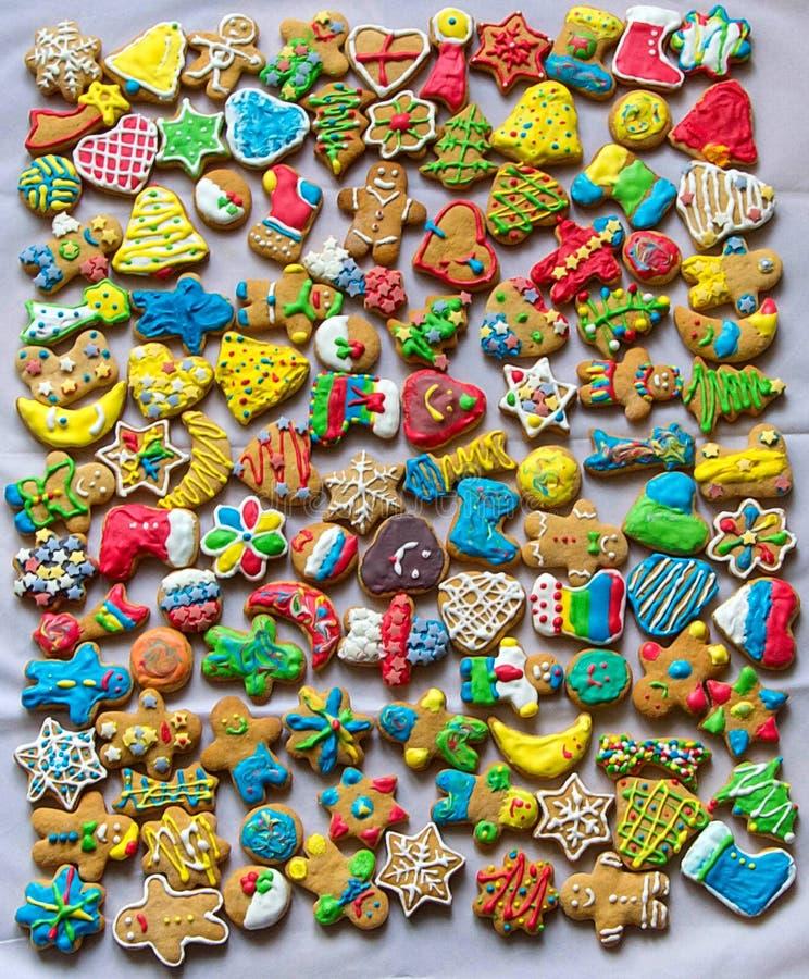 Download Imbirowi Chlebowi ciastka obraz stock. Obraz złożonej z lodowacenie - 106922799