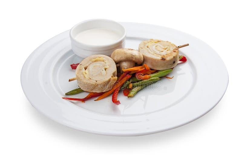 Imbiss zum Bier Huhnrolle mit Gemüse stockfoto