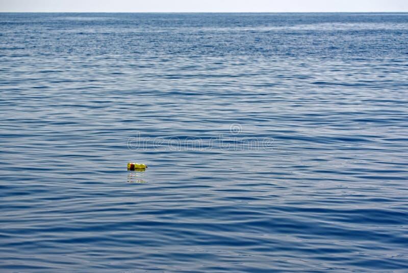 Imbottigli il golfo di Genova fotografia stock libera da diritti