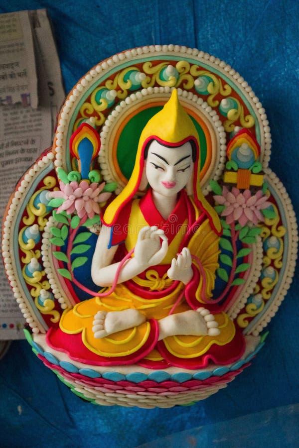 Imburri Buddha scolpito al tempio di Dalai Lama, McLeod Ganj, dentro fotografia stock