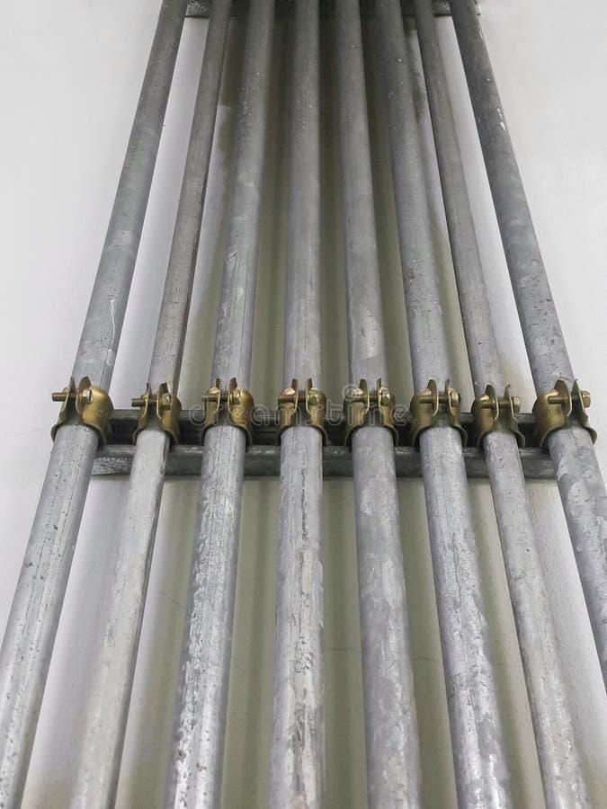 IMC przewód elektryczności linia na cement ścianie zdjęcie stock