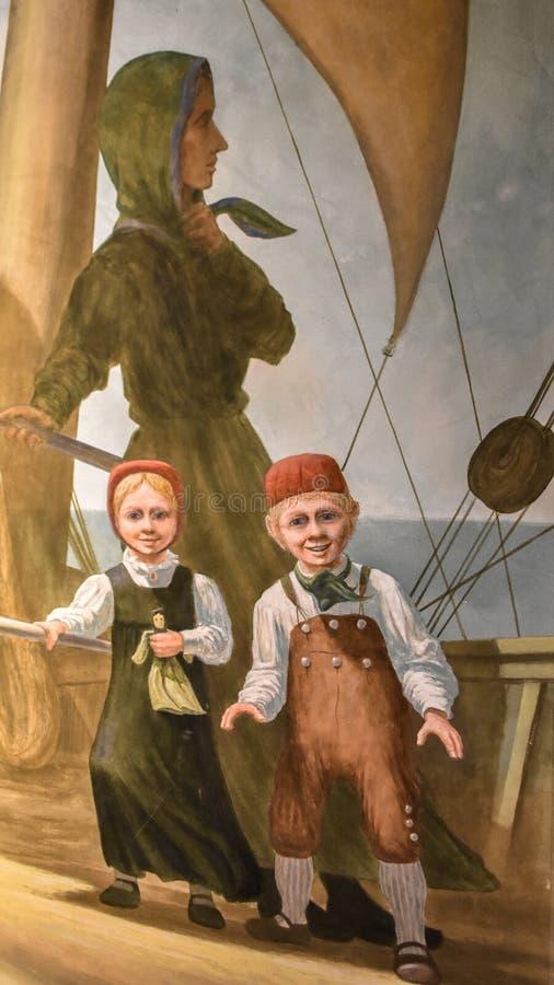 Imigrantes noruegueses da mãe e das crianças no navio foto de stock