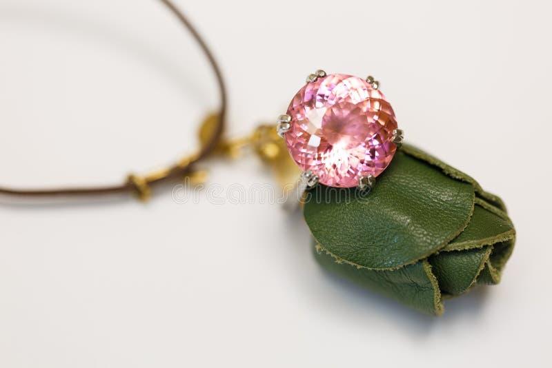 Imitação cor-de-rosa de imitação do diamante fotos de stock