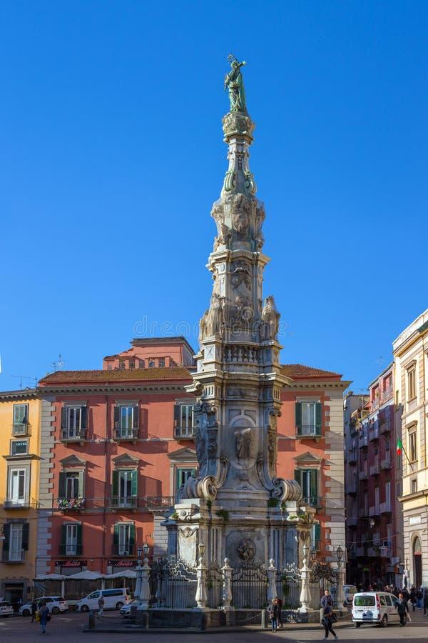 Immacolata-Obelisk ` Guglia-engen Tals in Neapel, Italien lizenzfreie stockfotografie