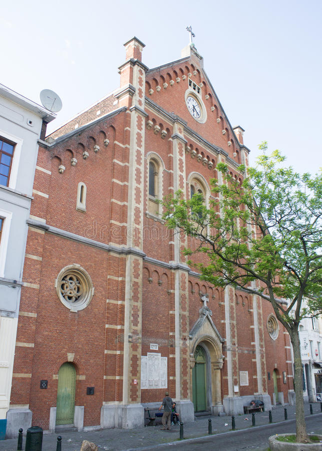 Immaculee-Konzeptions-Kirche an der richtigen Stelle du Jeu de Balle, Brüssel, Belgien lizenzfreie stockfotografie