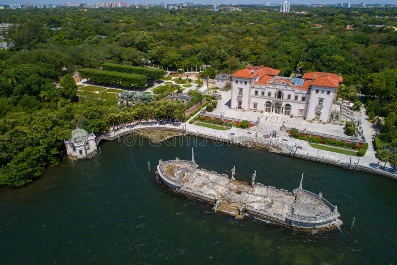 Immagine aerea del museo di Vizcaya della villa e dei giardini Brickell Miami fotografie stock libere da diritti