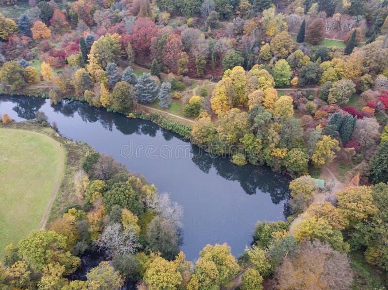 Immagine aerea del paesaggio del fuco di stordimento del paesaggio vibrante variopinto sbalorditivo della campagna di Autumn Fall immagine stock libera da diritti