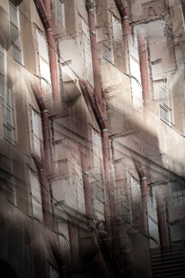 Immagine astratta di vecchie costruzioni immagine stock libera da diritti