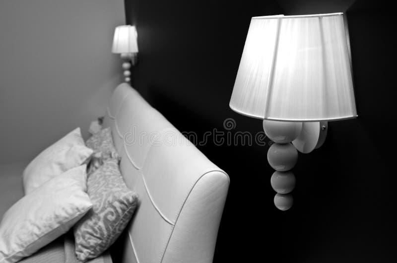 Lampada della camera da letto fotografia stock immagine di cuoio headboard 29781056 - Lampade da camera ...