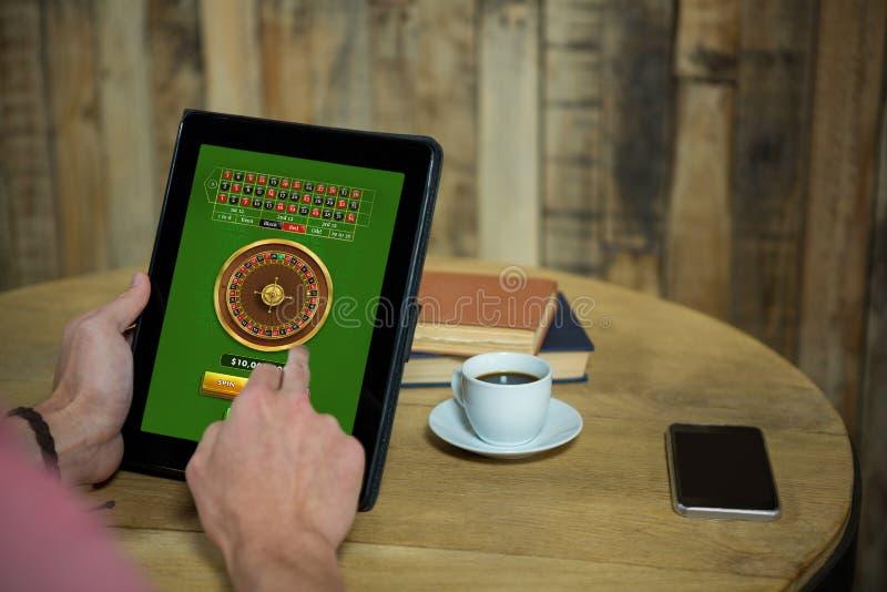 Immagine composita del gioco online delle roulette immagine stock