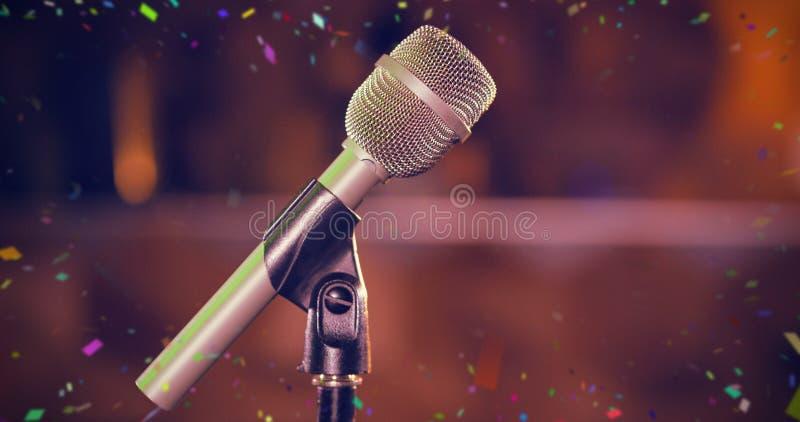 Immagine composita del primo piano del microfono immagine stock libera da diritti