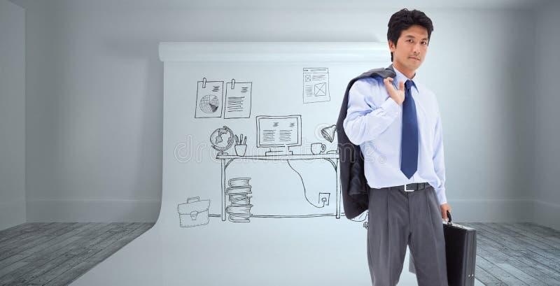 Immagine composita del ritratto di un uomo d'affari che tiene una cartella ed il suo rivestimento sulla sua spalla fotografia stock libera da diritti