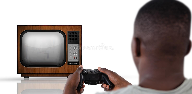 Immagine composita dell'uomo che gioca video gioco contro il fondo bianco fotografia stock libera da diritti