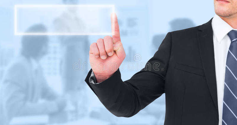 Immagine composita dell'uomo d'affari unsmiling che indica il suo dito fotografia stock