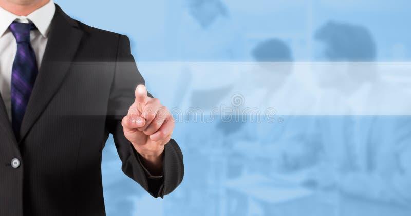Immagine composita della condizione e di indicare dell'uomo d'affari fotografia stock