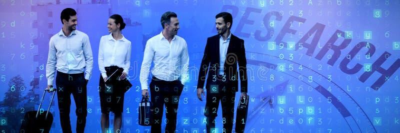 Immagine composita della gente di affari con bagagli che parla contro il fondo bianco fotografia stock