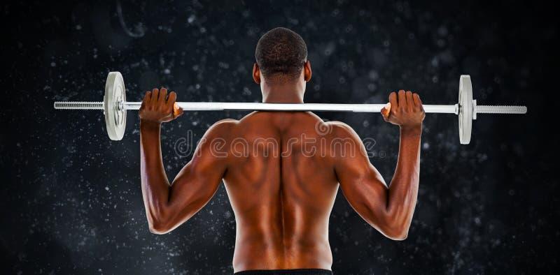 Immagine composita della retrovisione di un bilanciere di sollevamento dell'uomo senza camicia di misura illustrazione vettoriale