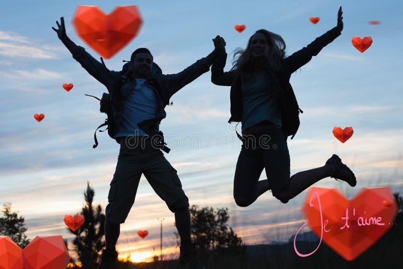 Immagine composita delle coppie della siluetta che saltano contro il cielo illustrazione di stock