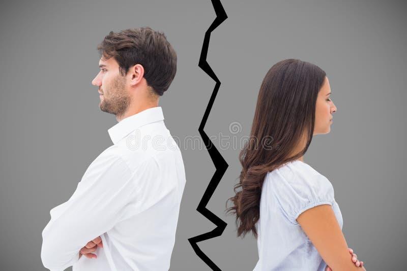 Immagine composita delle coppie di ribaltamento che non parlano l'un l'altro dopo la lotta immagine stock libera da diritti