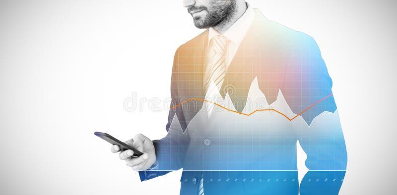 Immagine composita di invio di messaggi di testo dell'uomo d'affari sul telefono cellulare 3d illustrazione di stock