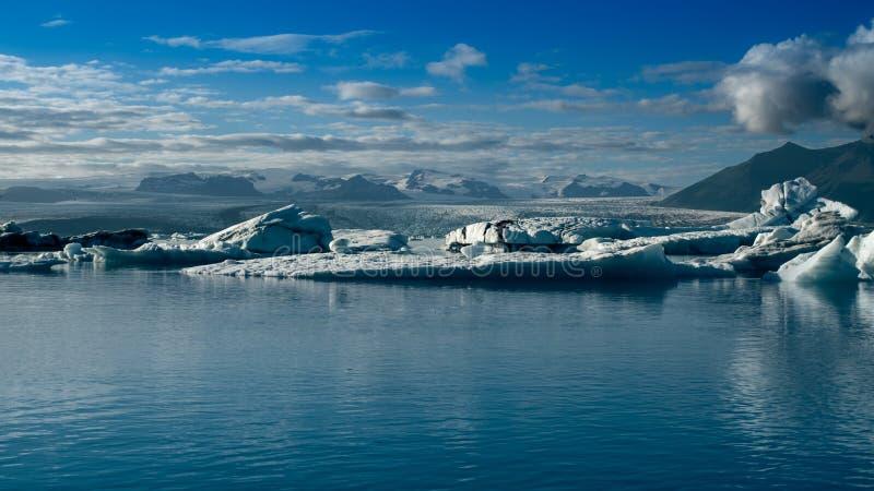 Immagine del paesaggio della baia di ghiacciaio islandese immagini stock