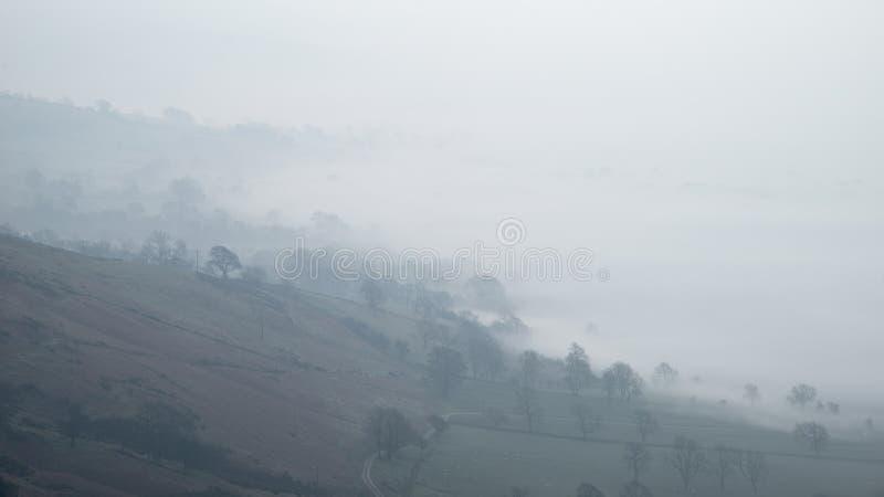 Immagine del paesaggio di alba di inverno di Stuning della valle di speranza nel Distrit di punta in Inghilterra w fotografie stock