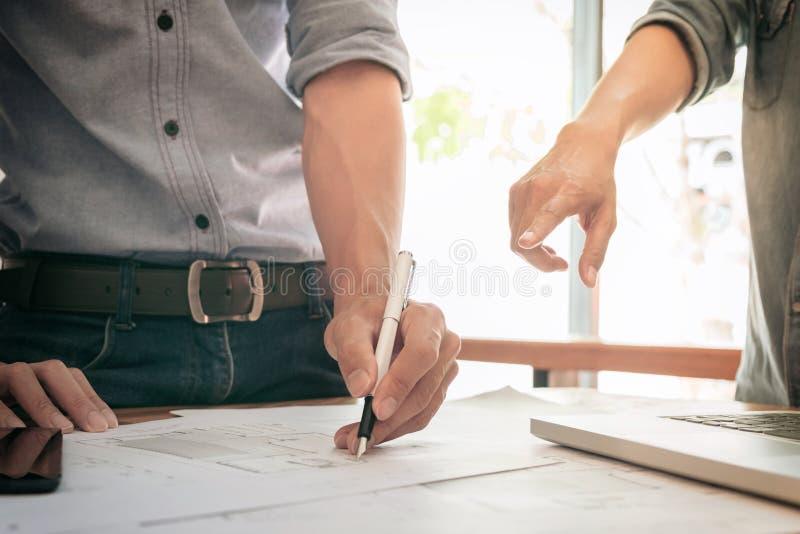 Immagine dell'ingegnere o progetto, ingegneria e parte architettonici immagini stock