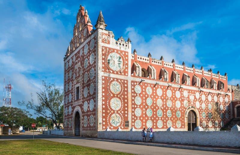 Immagine della chiesa di Uayma, architettura coloniale unica in Yucatan, Messico fotografie stock libere da diritti