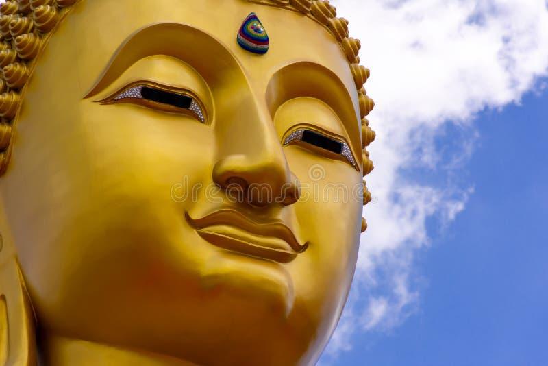 Immagine della statua di Buddha alla Tailandia fotografia stock
