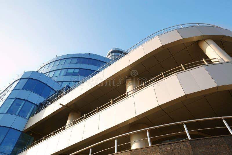Immagine di prospettiva di un centro di affari moderno fotografia stock libera da diritti