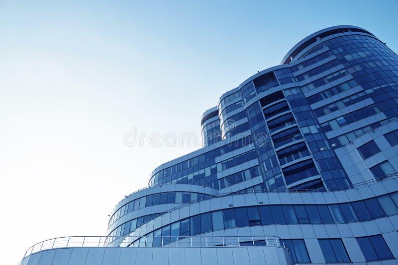 Immagine di prospettiva di un centro di affari moderno fotografia stock