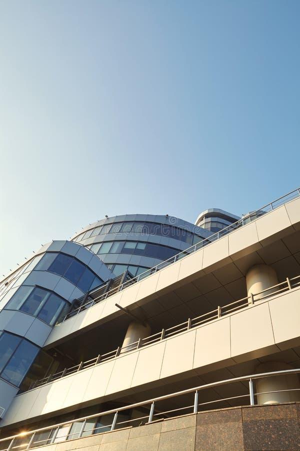 Immagine di prospettiva di un centro di affari moderno fotografie stock libere da diritti