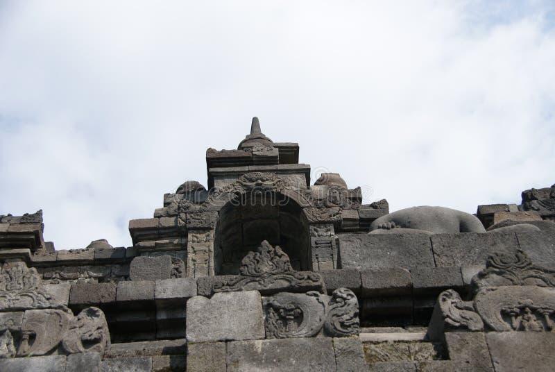 Immagine di seduta del Buddha in tempio di Borobudur, Jogjakarta, Indonesia immagine stock