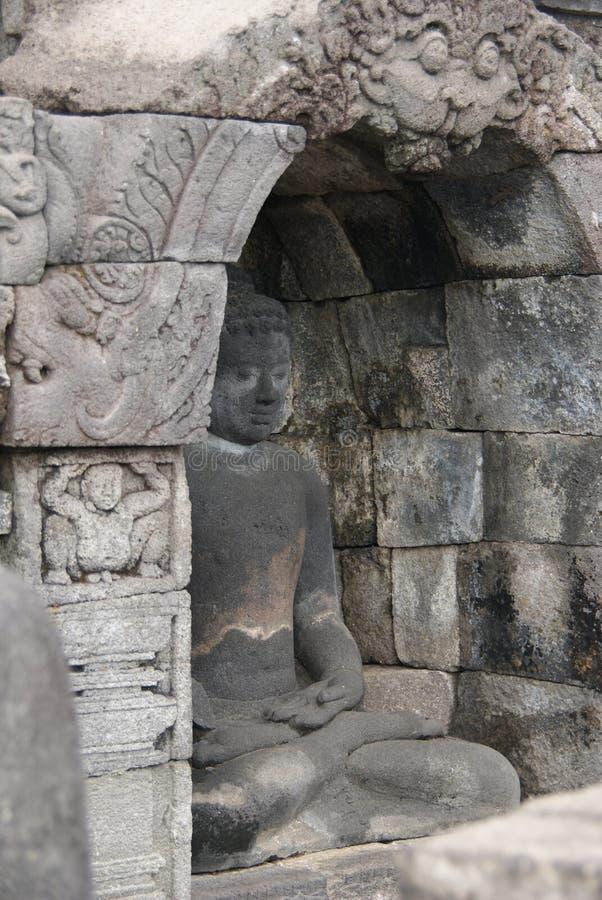 Immagine di seduta del Buddha in tempio di Borobudur, Jogjakarta, Indonesia immagini stock