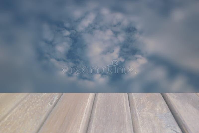 Immagine di sfondo della sfuocatura del cielo e della nuvola fotografia stock libera da diritti