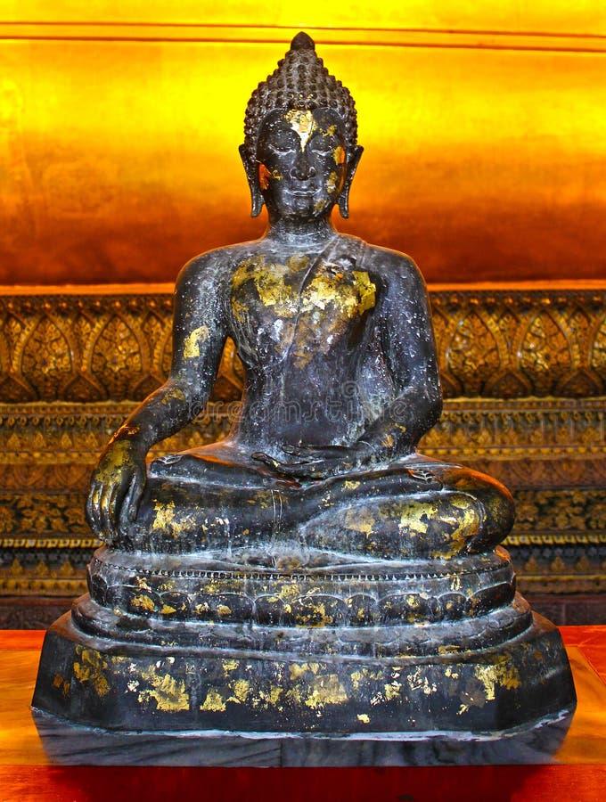 Immagine di un Buddha di seduta fotografia stock libera da diritti